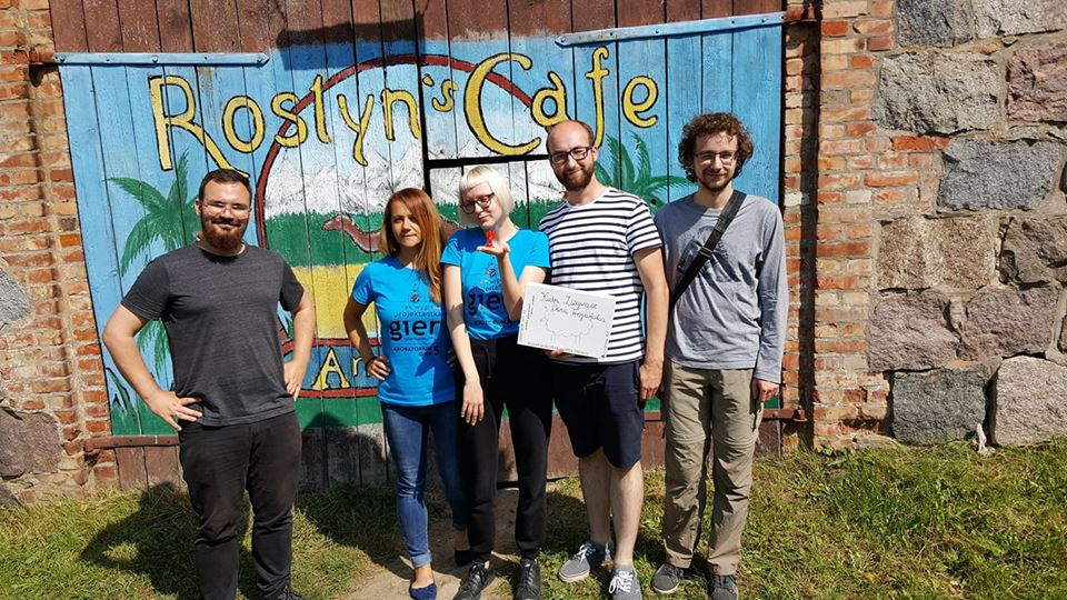 Nasz zespół-od lewej: ja, Viola Kijowska (trenerka), Gosia. Łukasz i Krzysiek