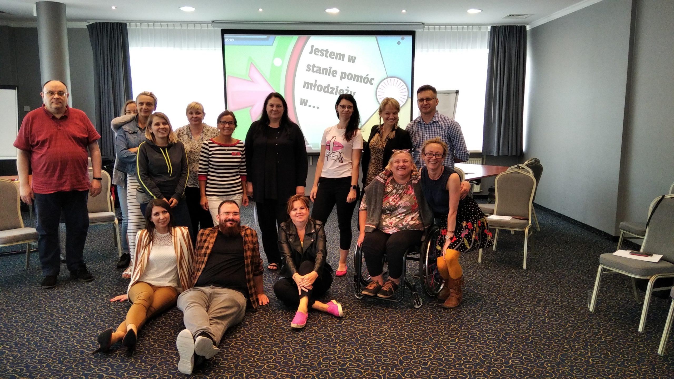 Grupa, uczestnicząca w szkoleniu EKSmisja